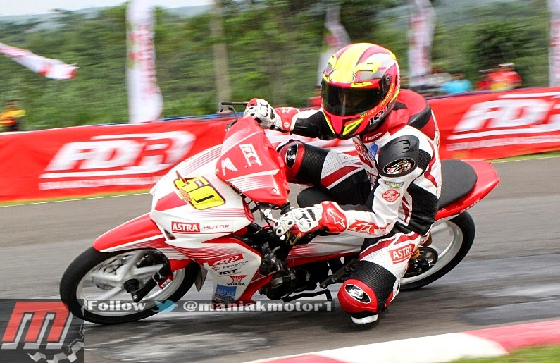 TIPS MOTOR MODIFIKASI HONDA NEW BLADE 125 2014 ROAD RACE