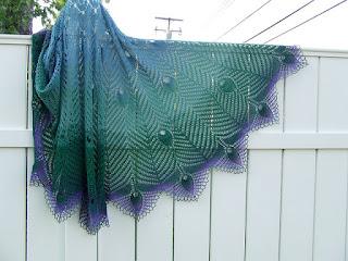 châle-tricot-peacock-dentelle