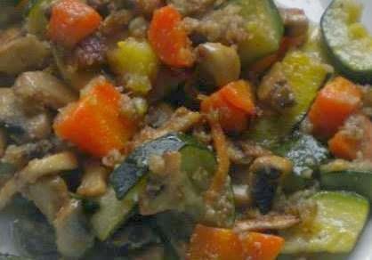 Champiñones con verduras gratinadas