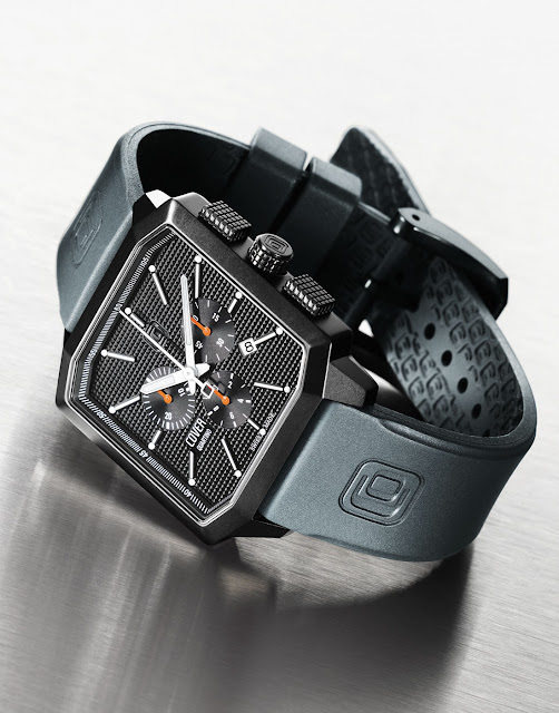 Cover Co152 Quartino Chronograph