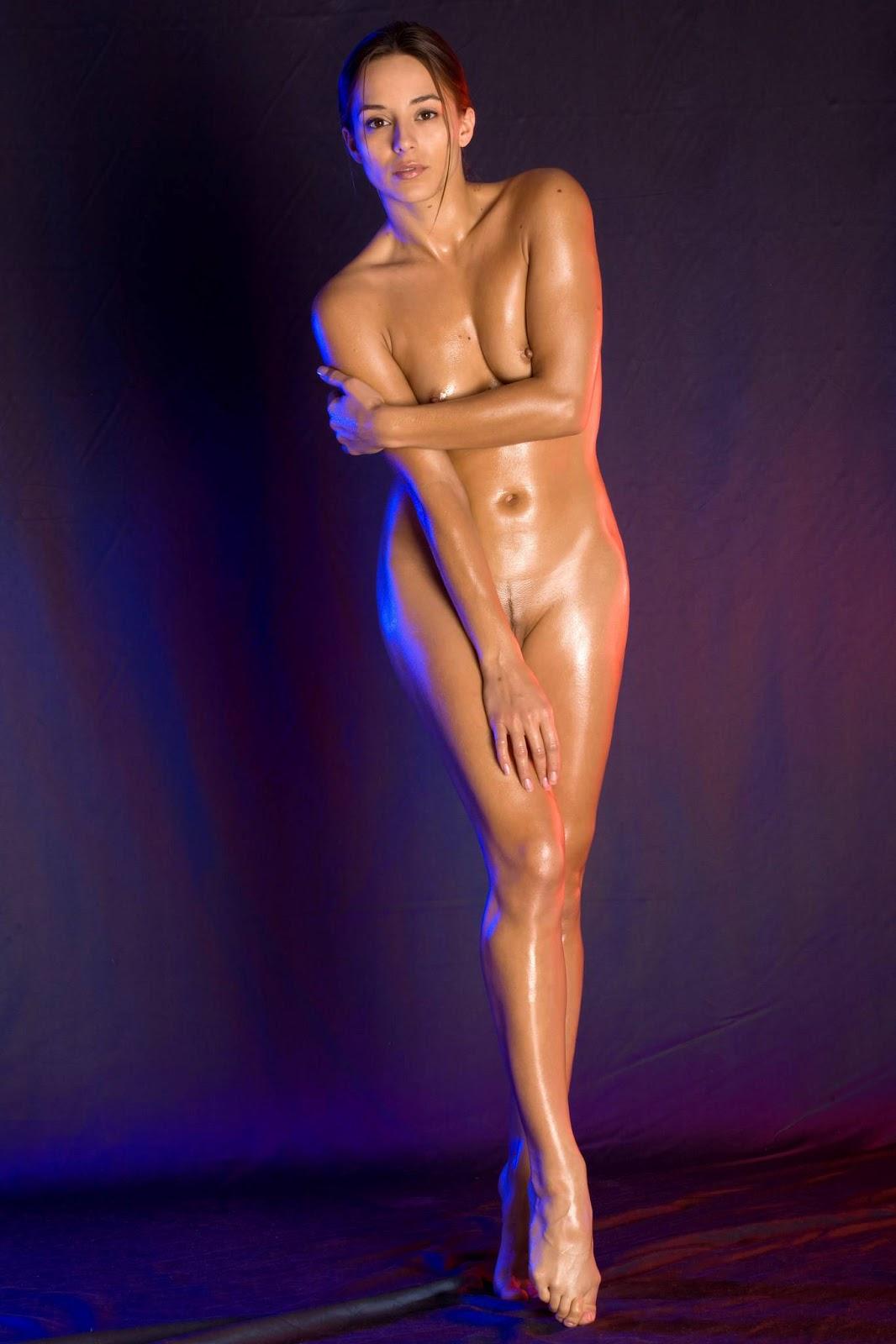 Фото доминики с большими половыми губами 25 фотография