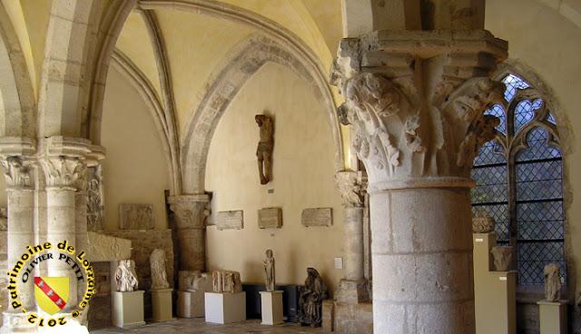 Toul - Musée d'Art et d'Histoire : la salle médiévale de l'ancienne Maison-Dieu