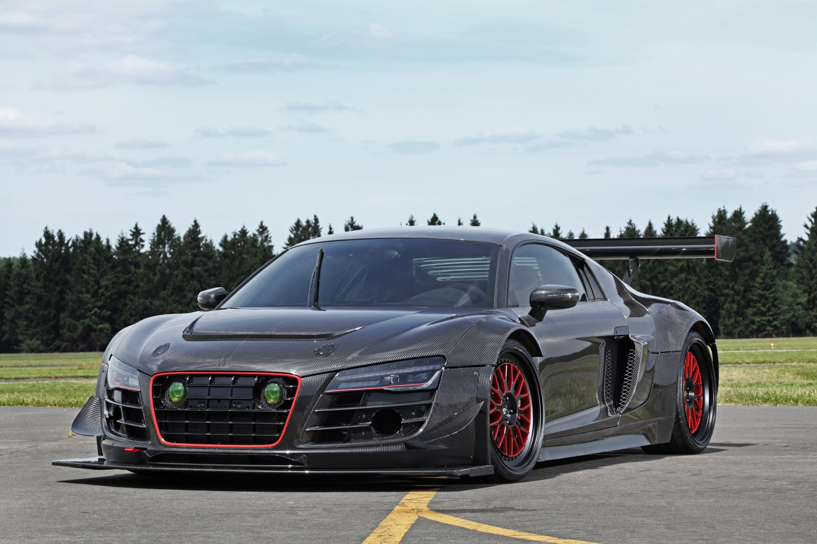recon mc8 is a 950ps rwd carbonfiber bodied audi r8 v10 plus. Black Bedroom Furniture Sets. Home Design Ideas