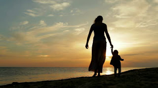 mom,child,beach,wall paper