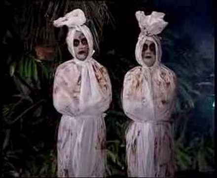 ... berpakaian seperti ini. Sumber gambar: duniaseorangputera.blogspot.com