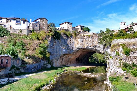 imagen_merindades_burgos_paraiso_ideas_norte_travel_visit_spain_puentedey_agua_rio