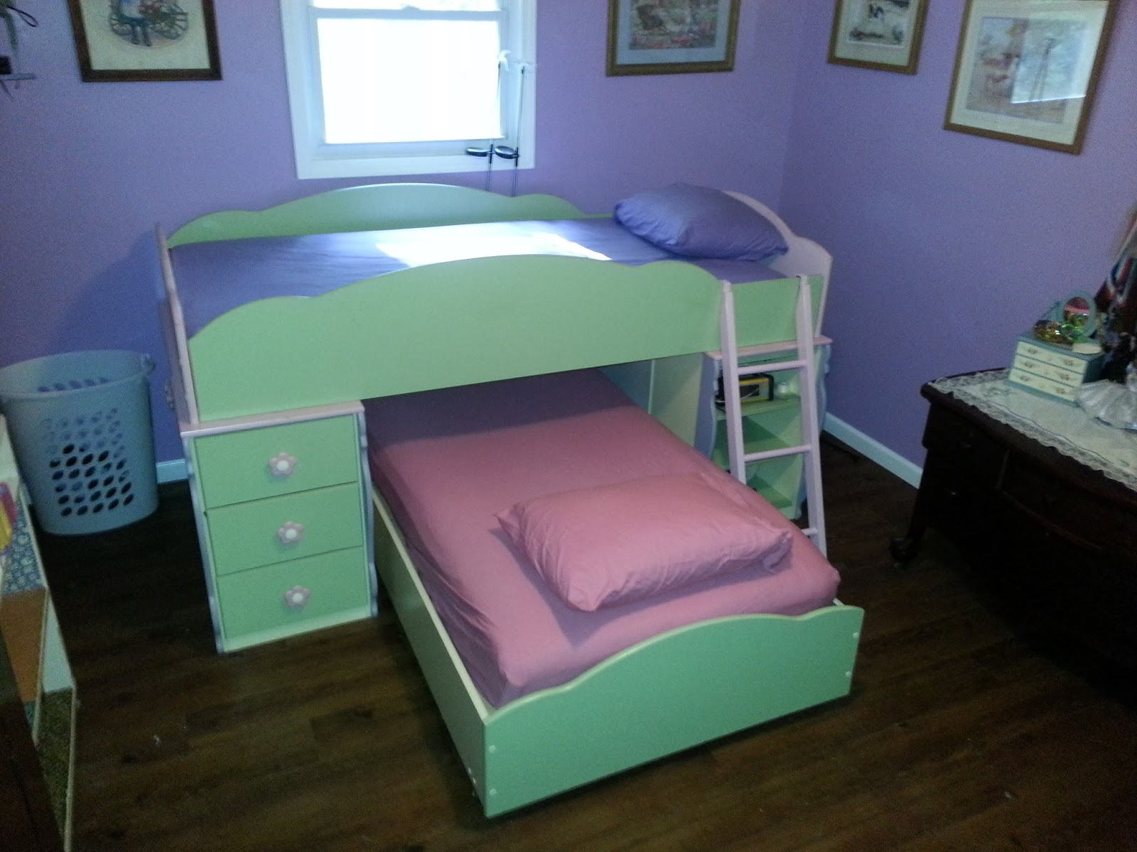 Triple Bunk Beds Girls 1600 x 1200