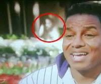 'Fantasma de Michael Jackson está em casa', diz irmã do astro!!