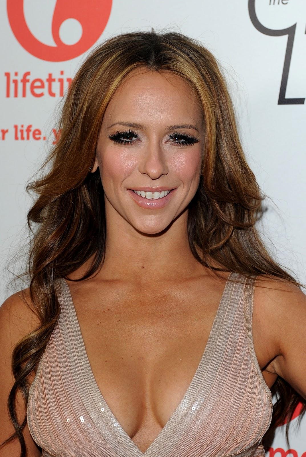 http://3.bp.blogspot.com/-WamGwSeW7WA/T7DY2V8UByI/AAAAAAAAdNA/zjzmxRPdnuE/s1600/Jennifer+Love+Hewitt+-+The+Client+List+69.jpg