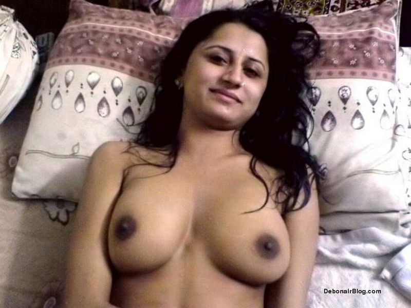 Teen in movie nude