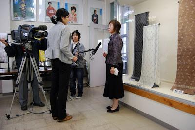 福島県浪江町から避難された八幡万里子さん織職人として巣立ちです