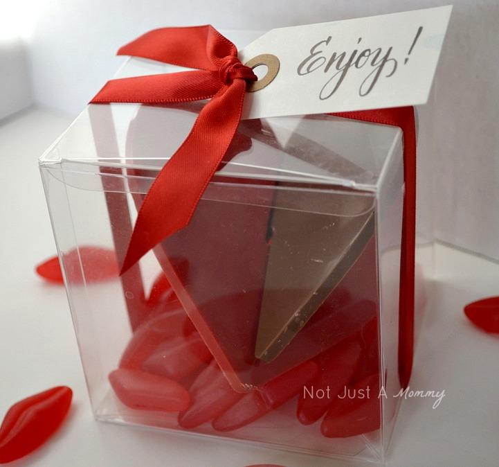 Lekue Silicone 3D Hearts Chocolate Valentine treat box