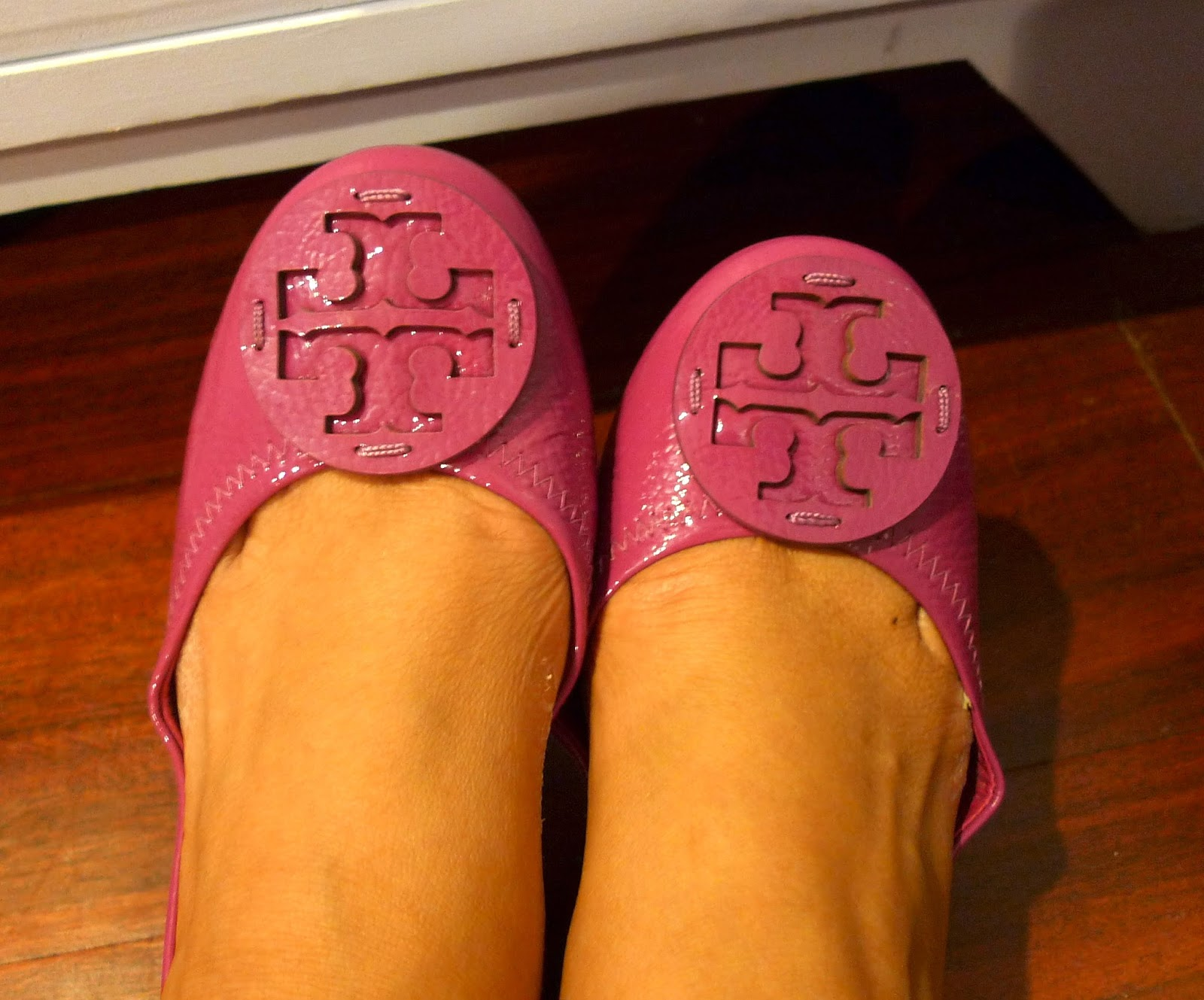 Just like my first- ever Tory Burch Reva pair, this one needs some breaking  in. :D Just like the old times! :)
