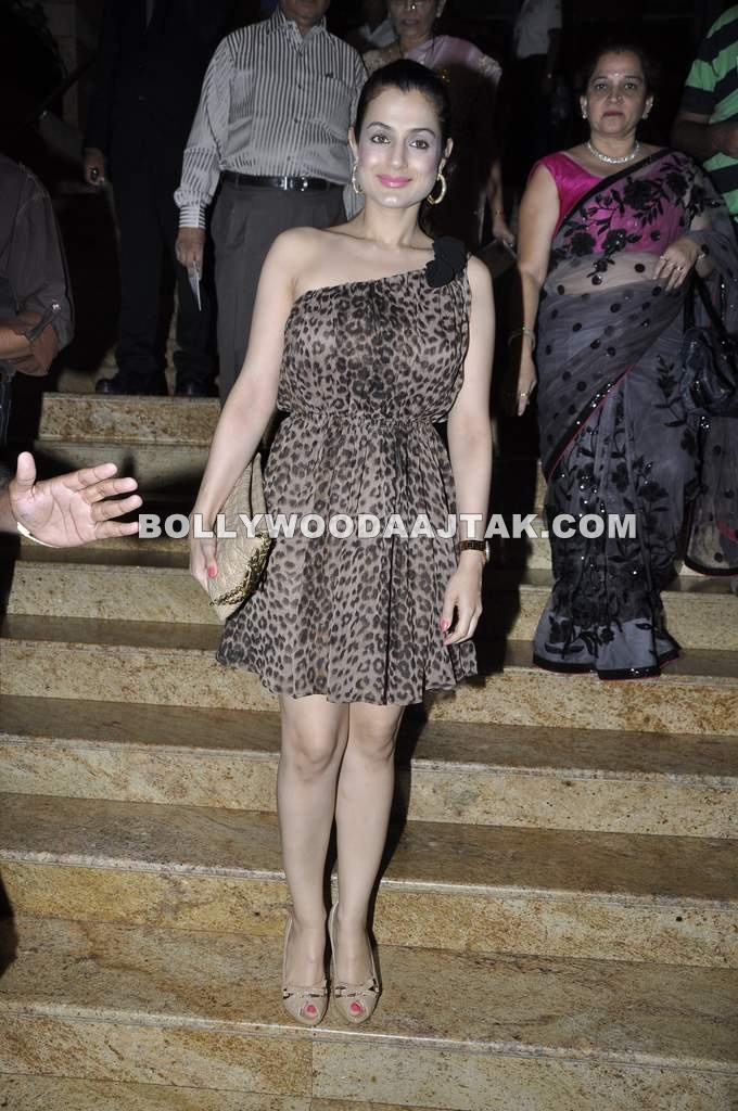 Amisha Patel at IIJW Fashion Week