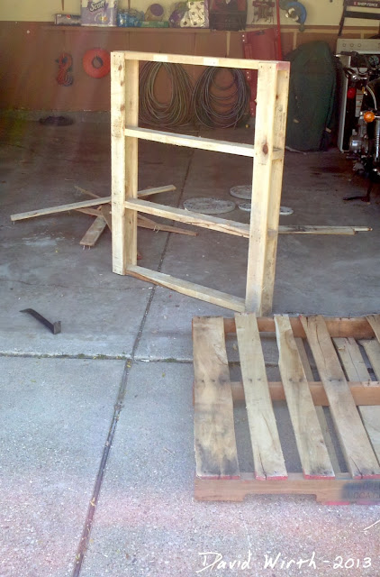 break wood pallet for boards, cooler stand, project from pallet wood