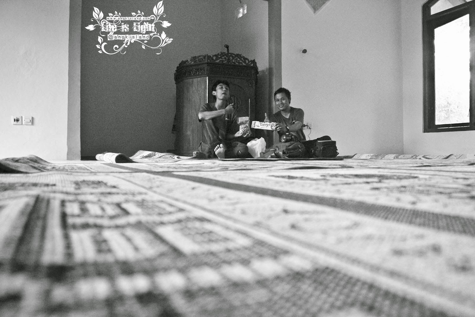 santai di masjid