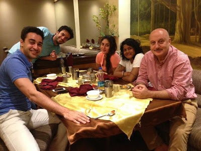 GTPM team Kareena Kapoor, Imran Khan & Anupam spotted at Light Dinner