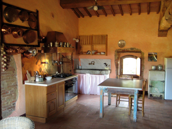 Tuscan kitchen ideas the kitchen design for Tuscan kitchen designs photo gallery