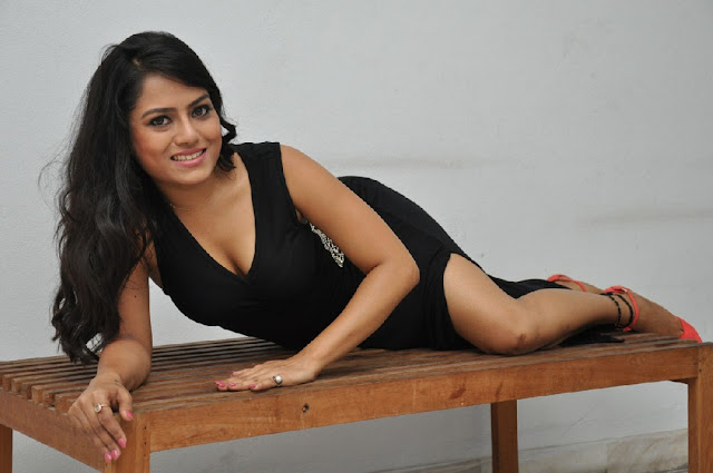 Actress Mausumi Hot Photoshoot