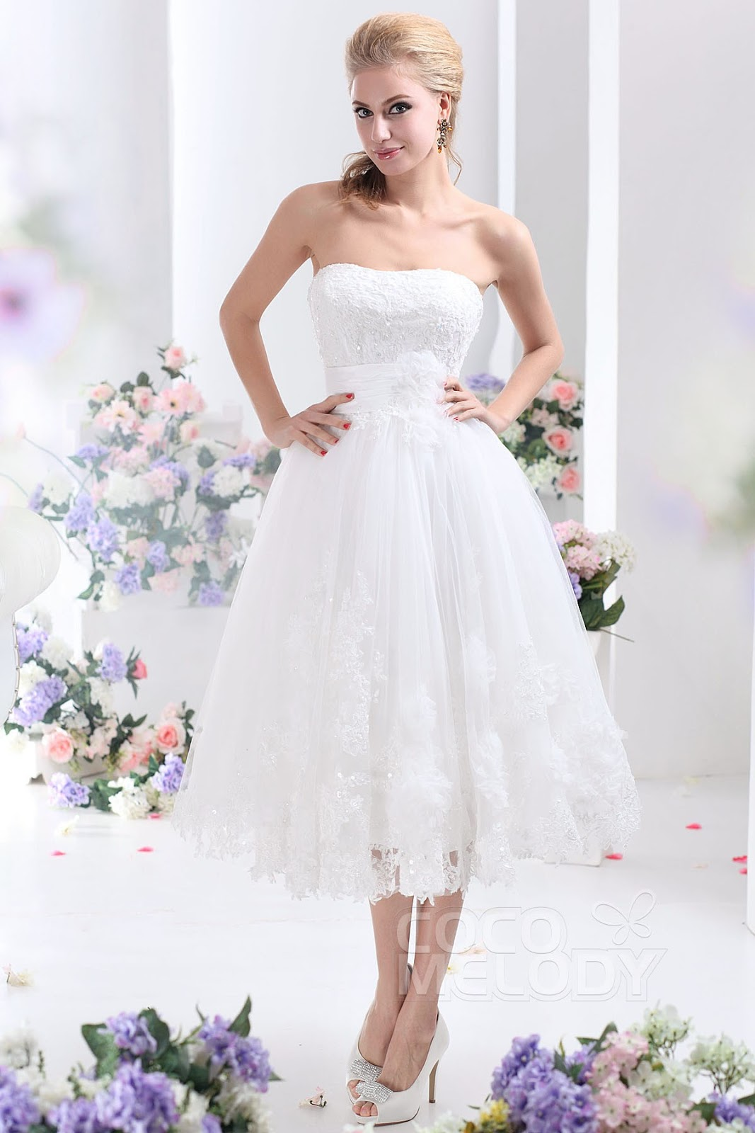 Are you ready to dream with cocomelody for Ivory lace tea length wedding dress