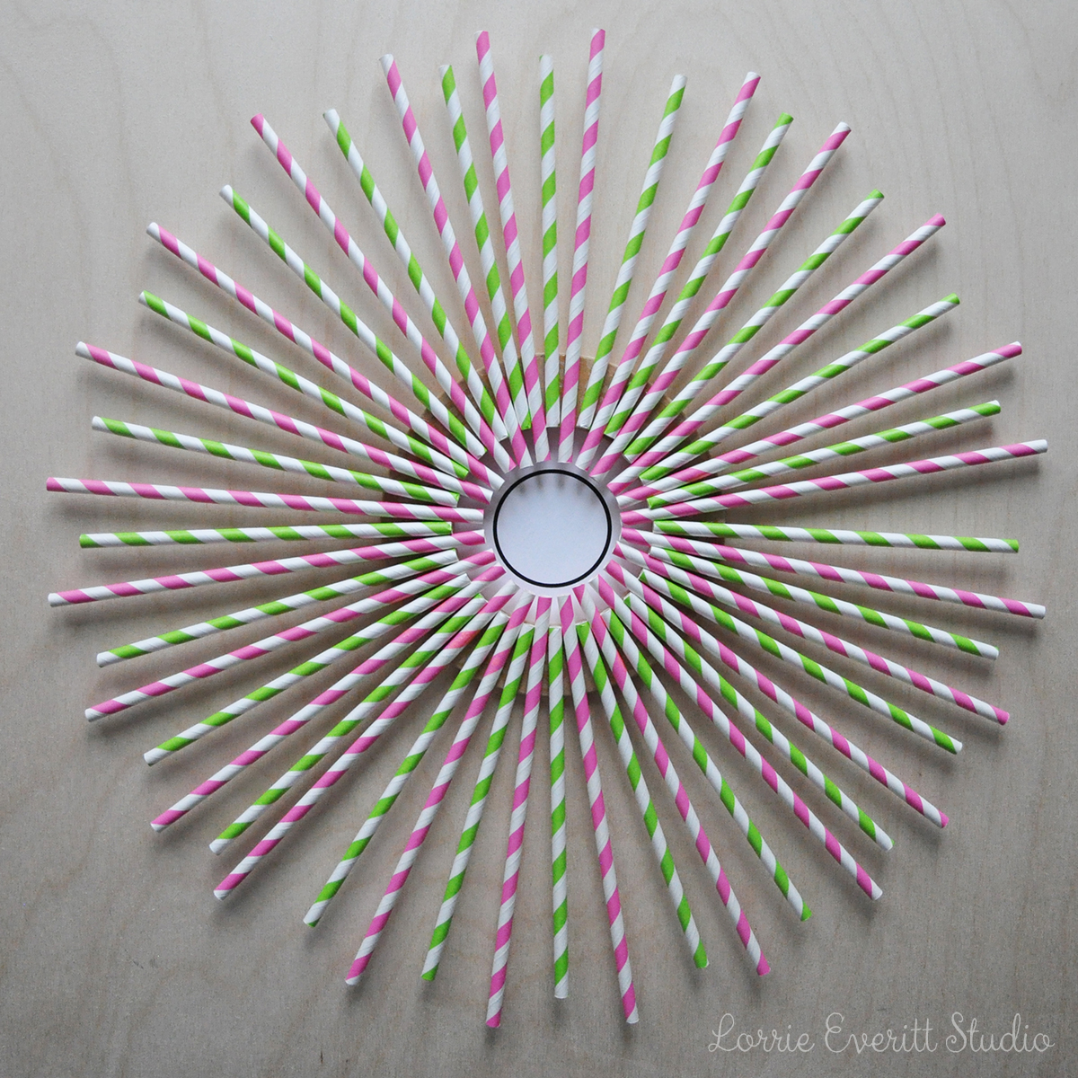 paper straw wreath tutorial | Lorrie Everitt Studio