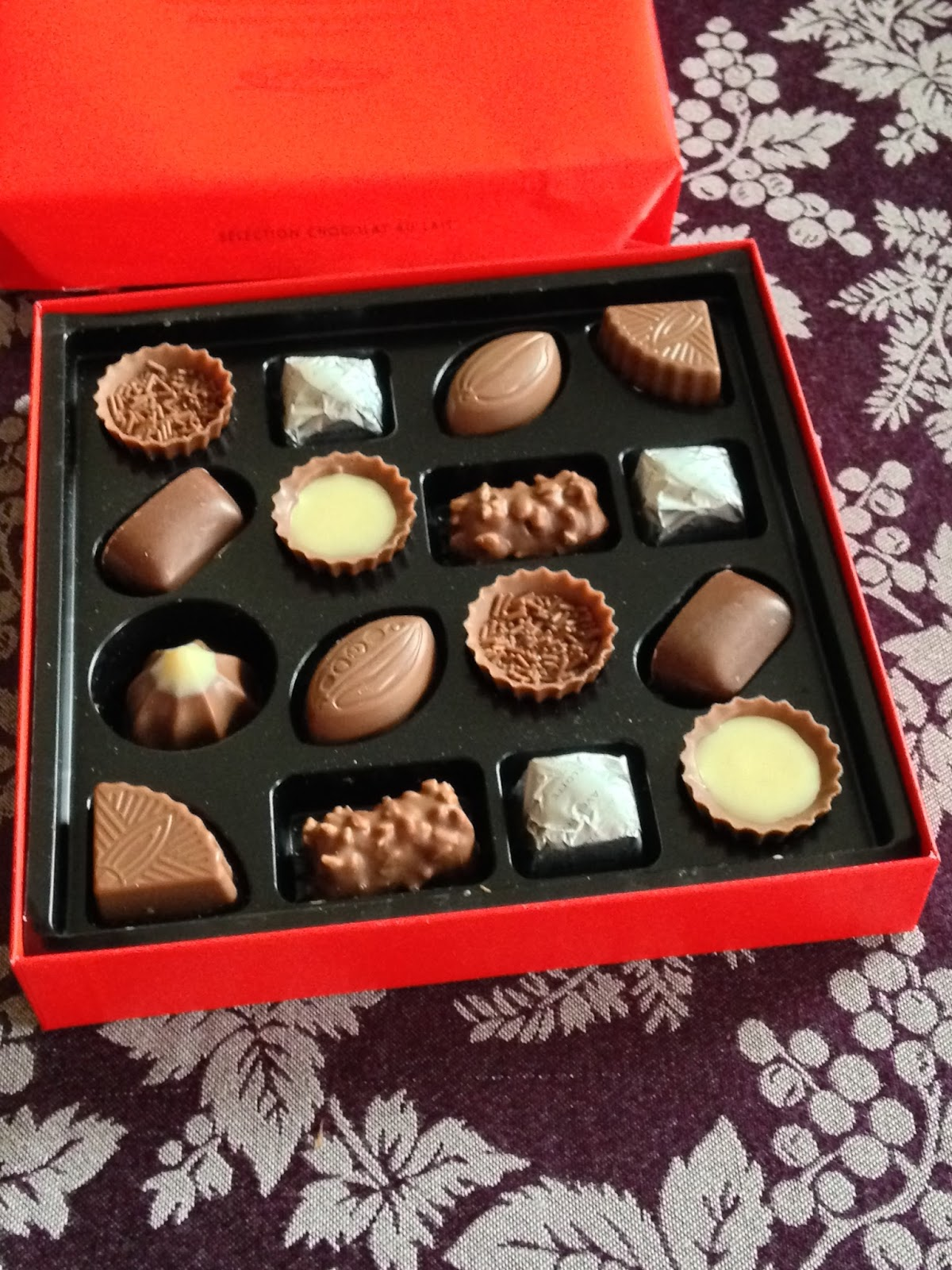 The Chocolate Cult: Gift Box of Milk Chocolate from Cailler