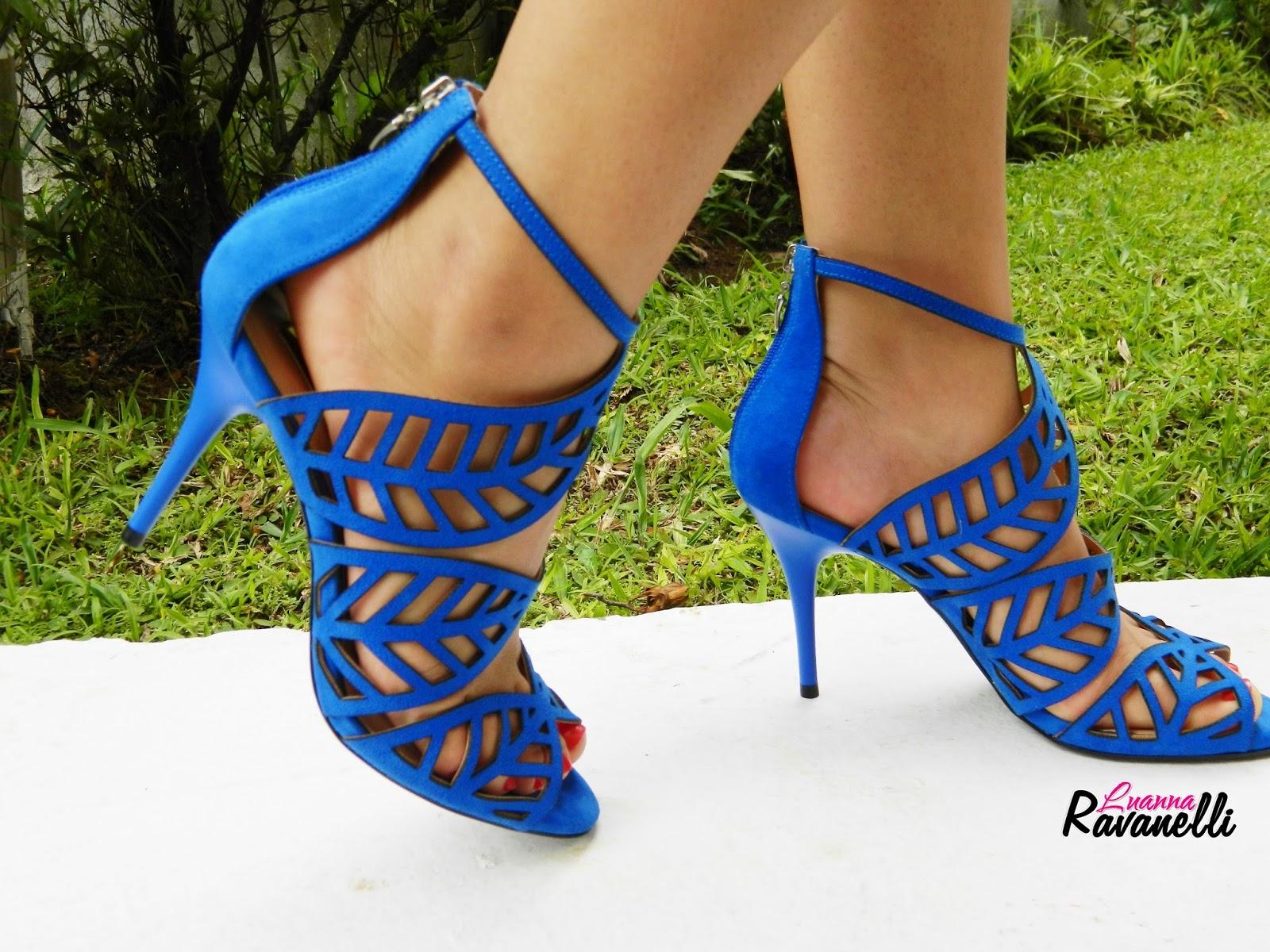 calçado azul