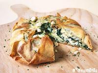 Tarta philo de espinacas, queso de cabra y avellanas