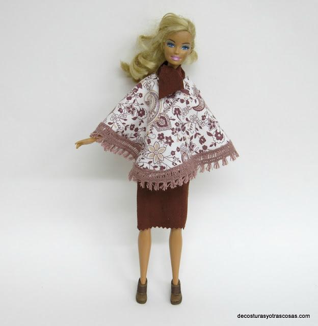 poncho para muñeca