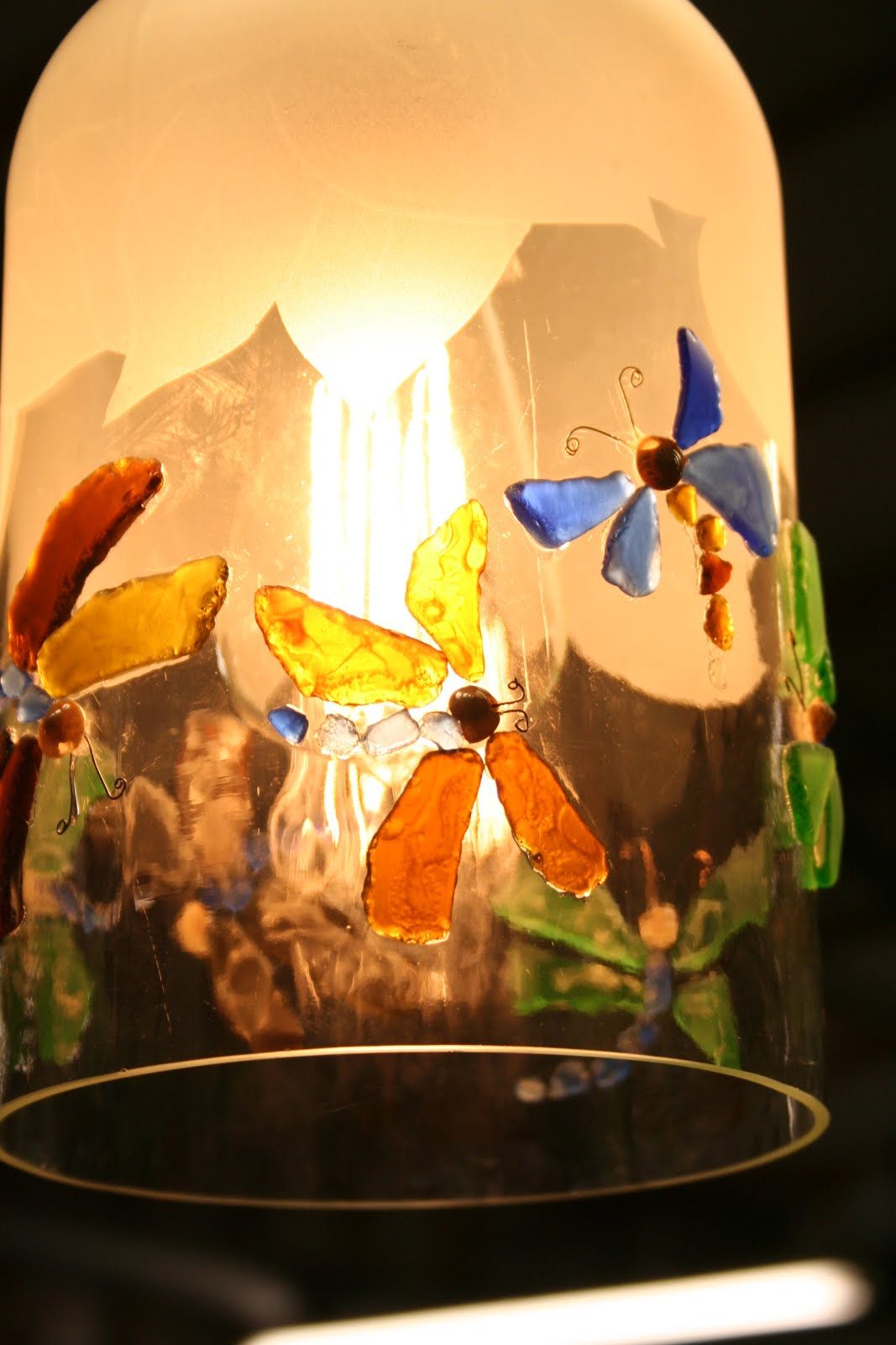 Hanging dragonfly lamp