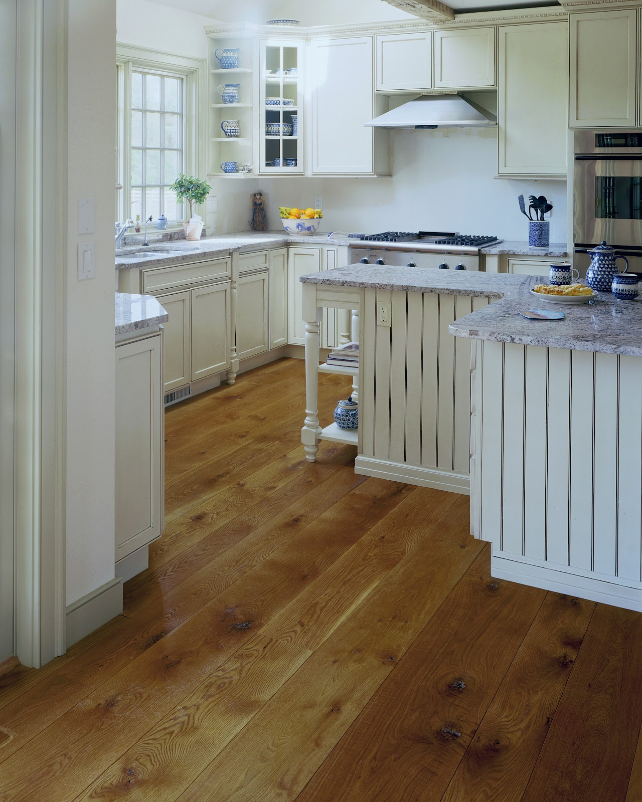 Wide plank hardwood flooring flooring ideas home for Wood floors in kitchen