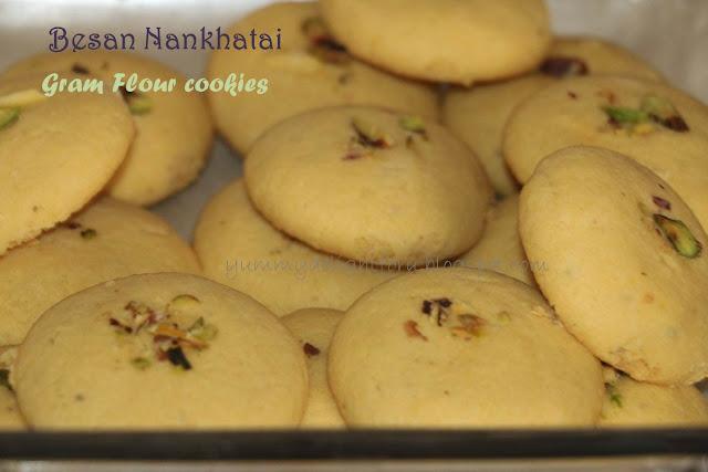 Besan nankhatai / Gram flour Indian cookies