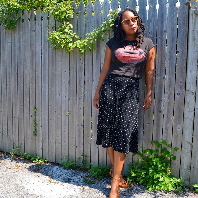 how to wear a polka dot midi skirt