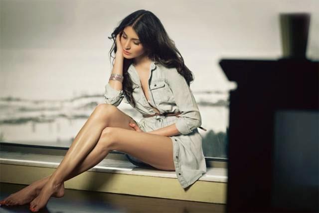 Anushka Sharma Maxim Photoshoot
