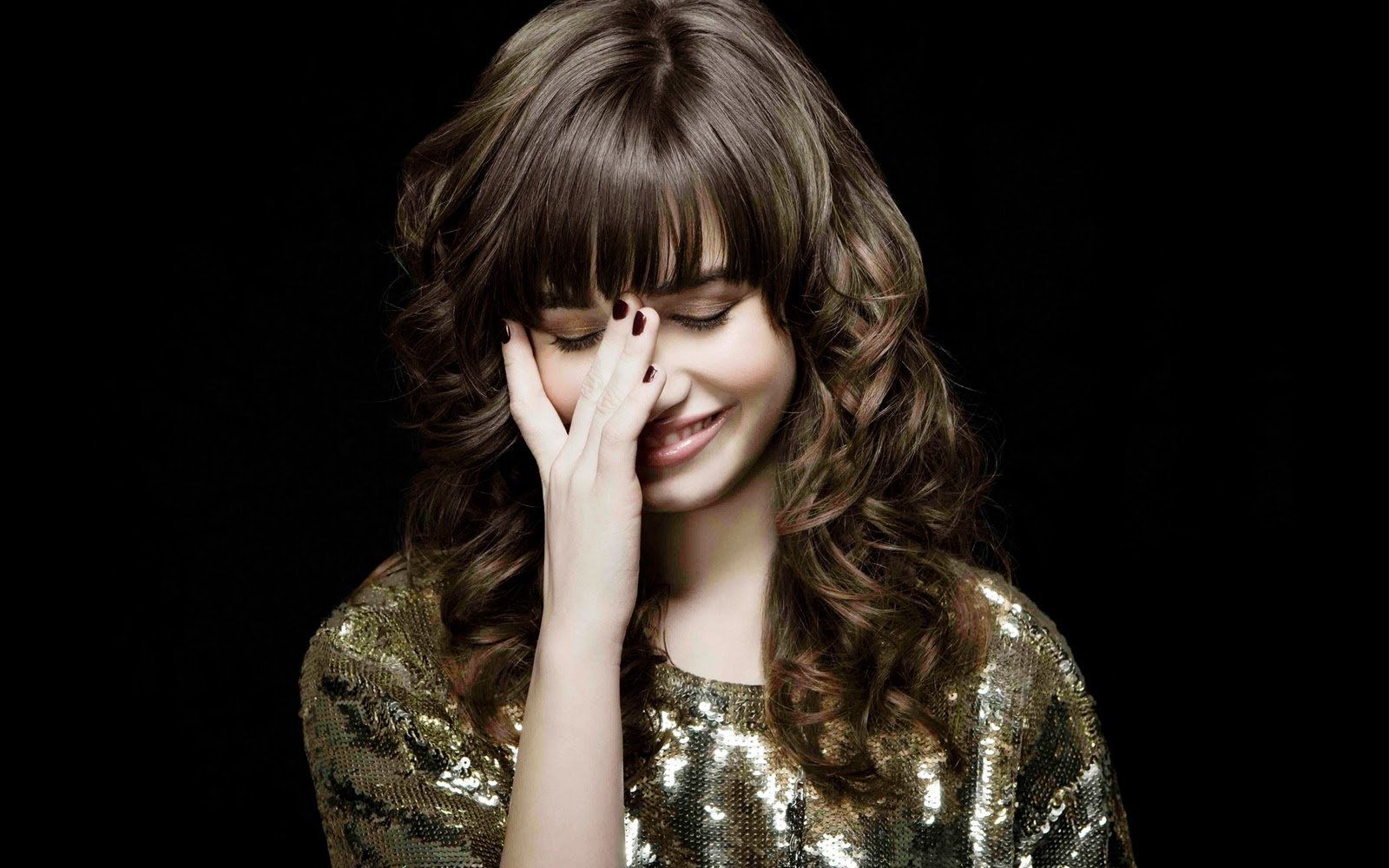 http://3.bp.blogspot.com/-WdU03PRBiO0/TrSeo9d1q8I/AAAAAAAAJSs/nOV_p6S7pDM/s1600/Demi-Lovato.jpg