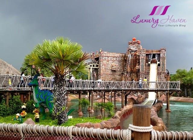 legoland theme park land of adventure dino island