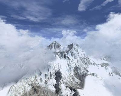 Mount Everest ~ travel happy land