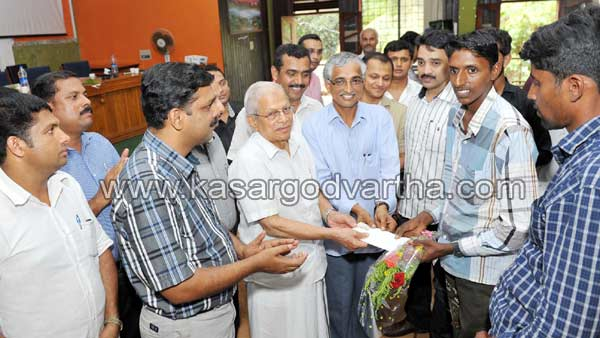 Sulthan gold, Endosulfan, Relief fund, Cash award,, SSLC, Victims, Kasaragod, Kerala, Kasargod Vartha, Malayalam news, Kerala News, International News, National News, Gulf News, Health News, Educational News, Business News, Stock news, Gold News.