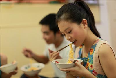 Tại sao bệnh đau dạ dày thường bị ở sinh viên