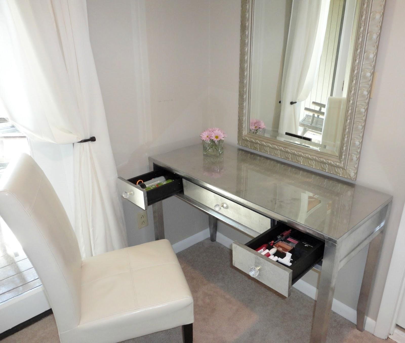 Livelovediy diy thrift store desk makeover using silver leaf geotapseo Choice Image