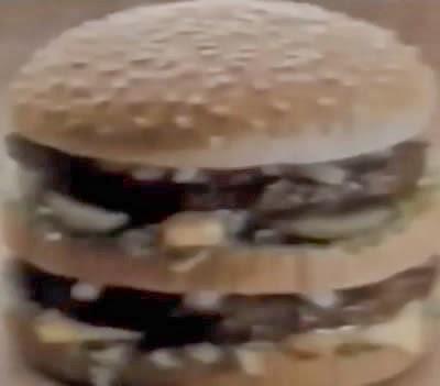 Propaganda da promoção dos copos decorados do McDonald's em 1989.