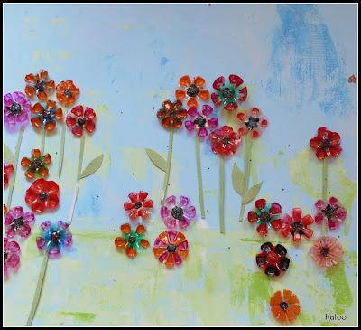 Arts visuels MS - Fleurs en matériel de récupération