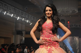 Trisha-Ramp-Walk-Stills-CF-09.jpg