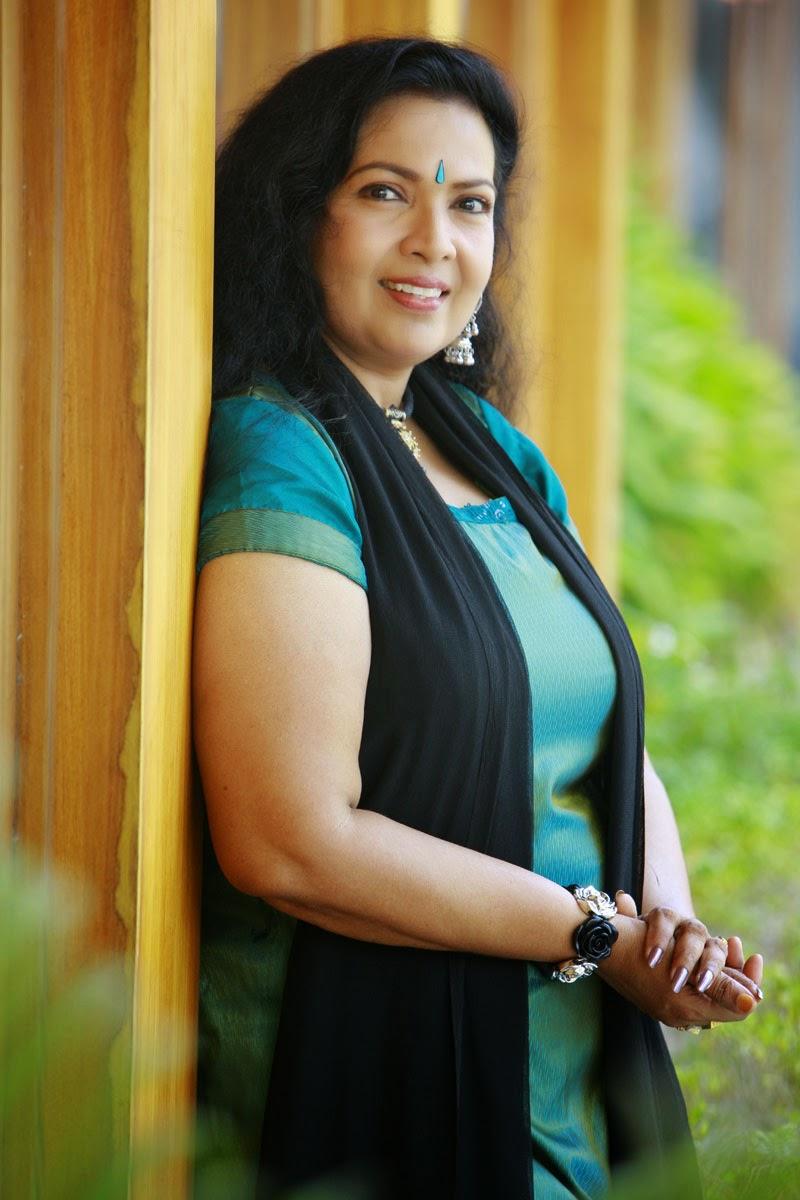 Kanakalatha+Actress Kanakalatha in Green Churidar Photos Old Mallu ...