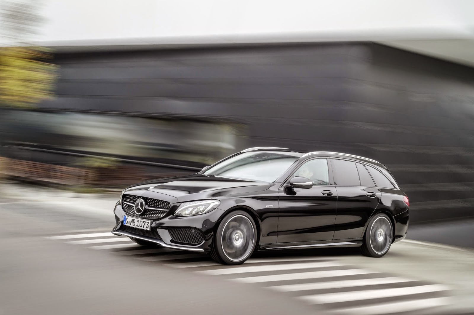 Mercedes Benz C450 AMG moving front angle