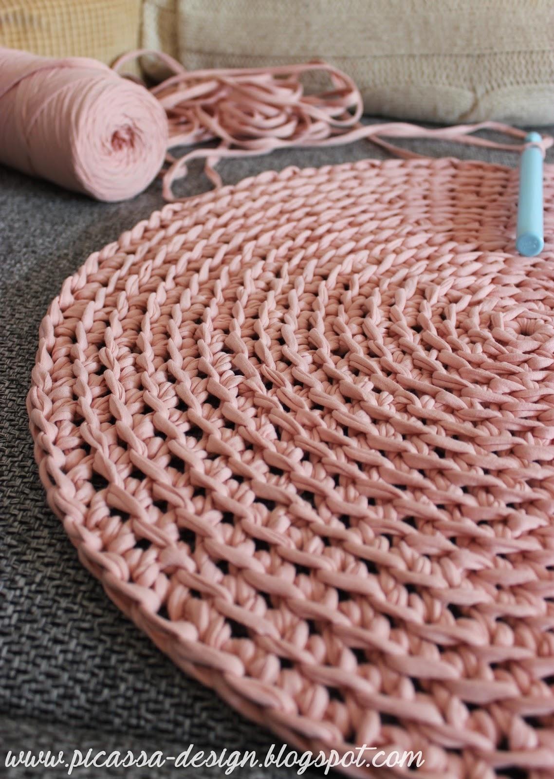 Szydełkowy dywan