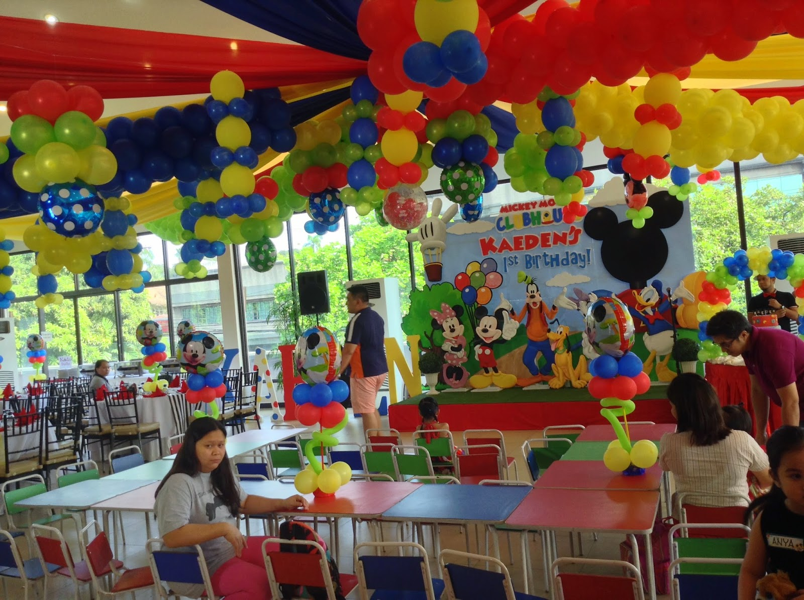 mickey mouse clubhouse themed party