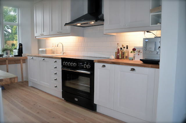 familjen n gorlunda la cucina. Black Bedroom Furniture Sets. Home Design Ideas