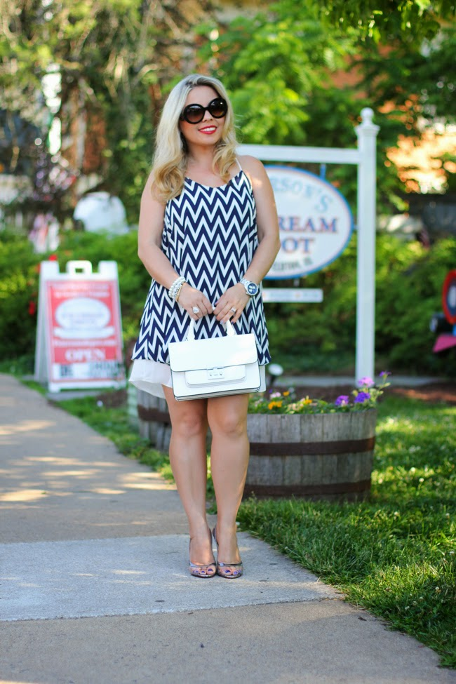 summer dress and white structured purse