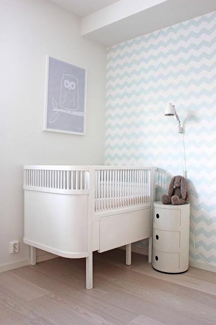 El beb entre flores papel pintado para los m s peque os - Papel pintado habitacion bebe ...